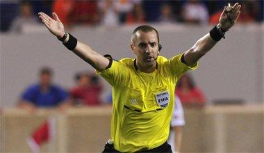 soccer advantage rule, advantage rule soccer, advantage rule definition, advantage rule in soccer